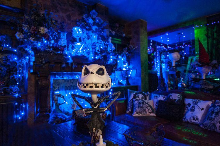 Tim Burton Inspired Halloween Decor by Scatterbirdie (Amber - tim burton halloween decorations