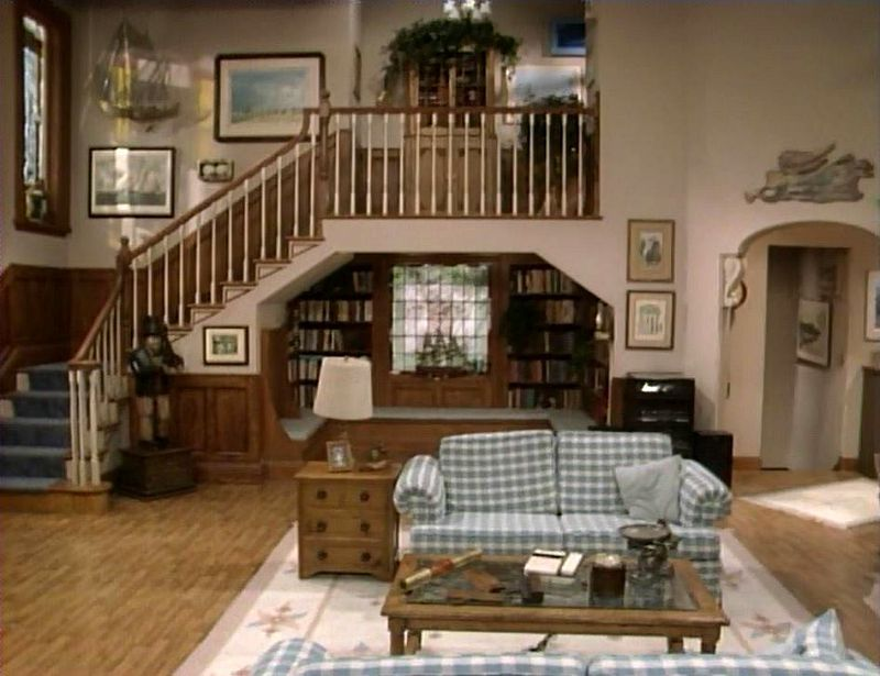 The full house victorian in san francisco today living for Tv set design living room