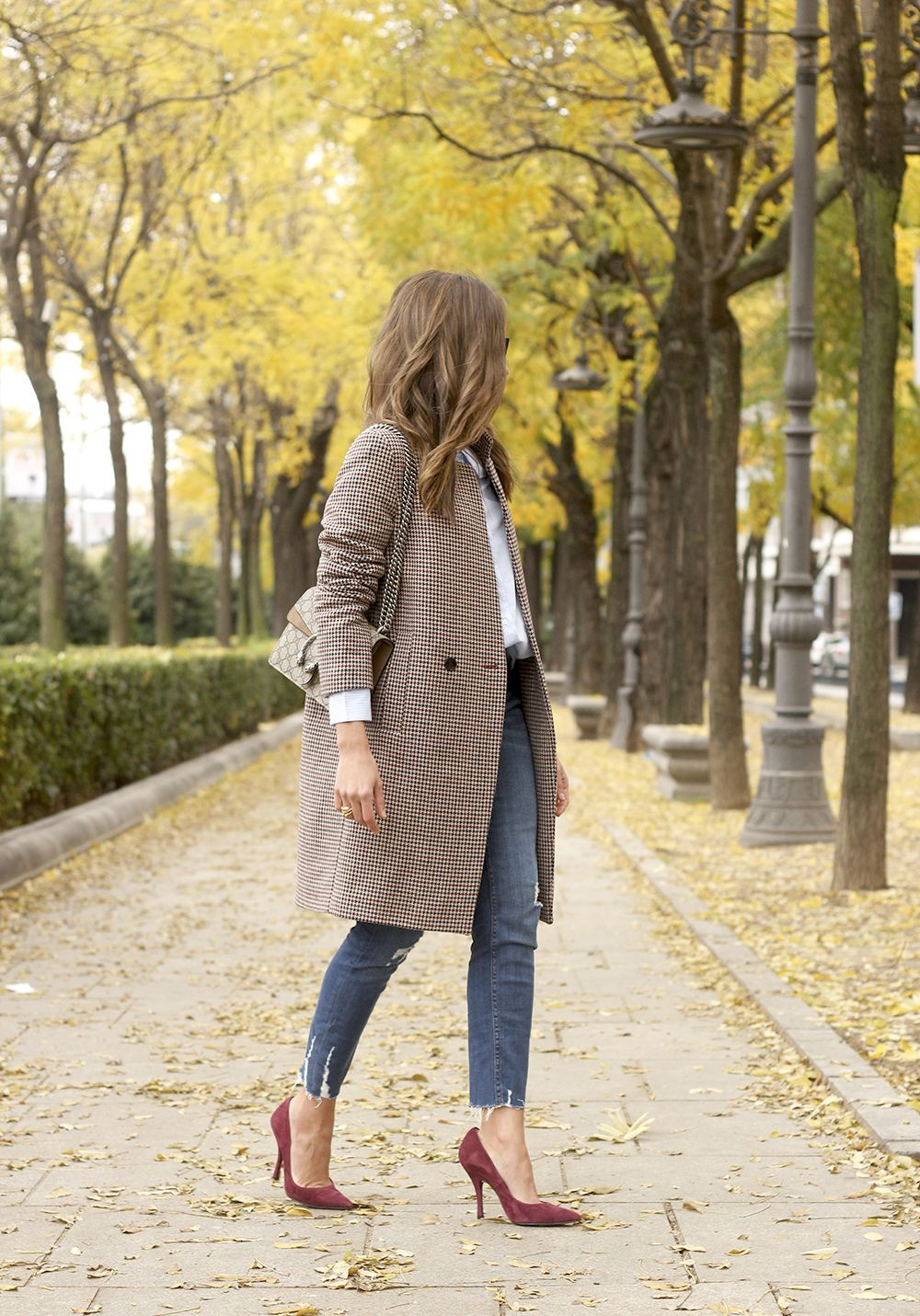 Houndstooth Coat striped shirt burgundy uterqüe heels gucci bag outfit style fashion07