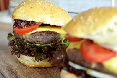 Homemade Burger Buns - Burger Brötchen einfach selber backen.