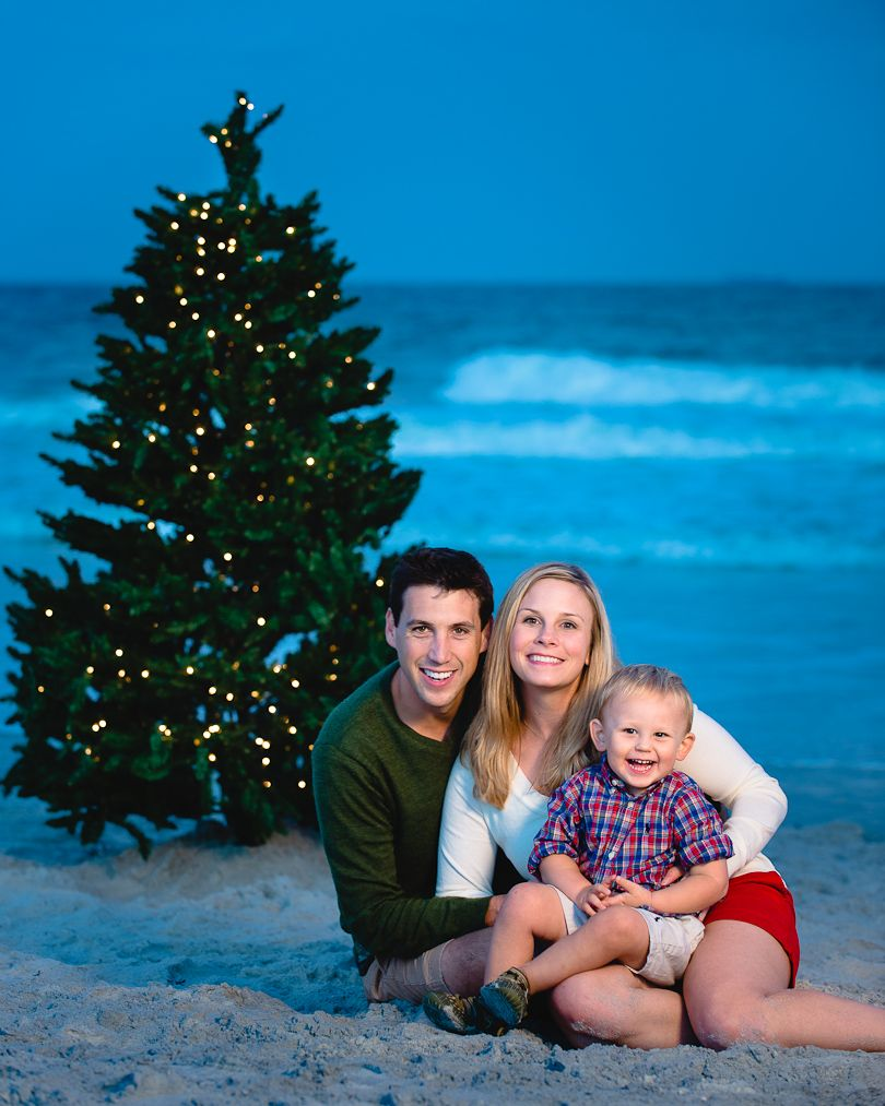Holiday Family Portrait On The Beach In Jacksonville Florida With A Full Sized Lighted C Christmas Beach Photos Family Christmas Pictures Christmas Photoshoot
