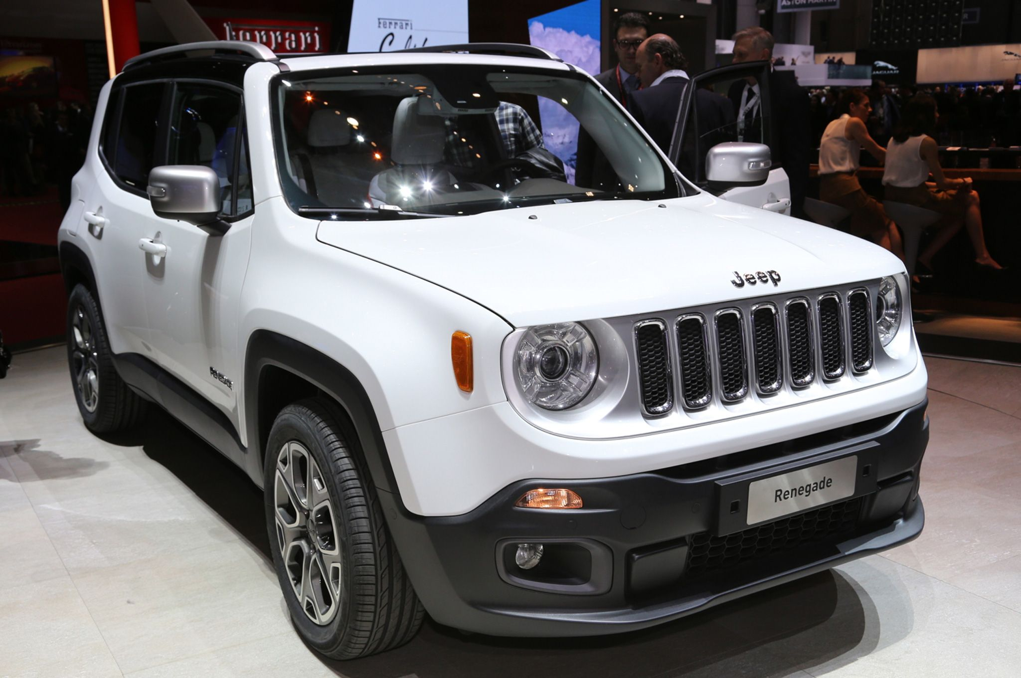 2015 Jeep Renegade Limited Front Side View 2015 Jeep Renegade