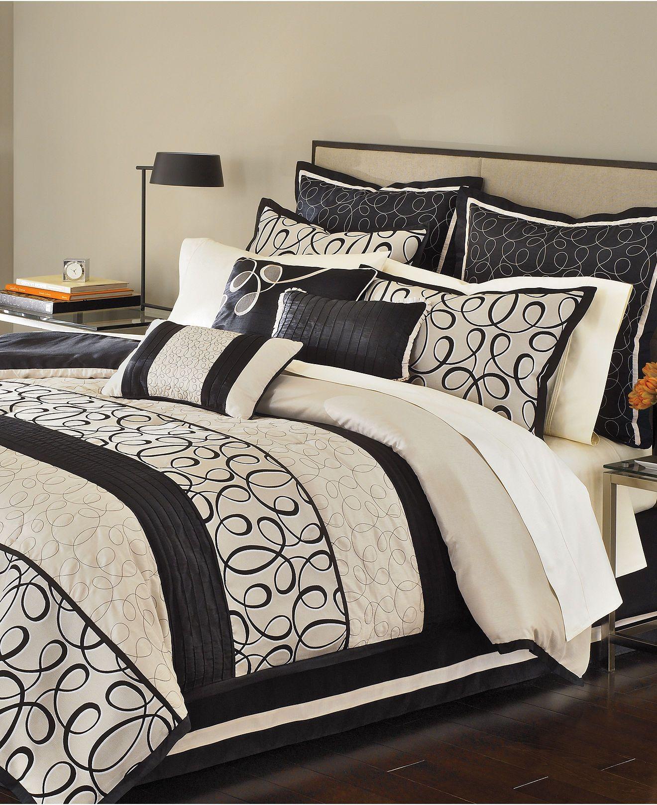Black Cream And Gray Ashley Gomes Black And Cream Bedroom Bedroom Comforter Sets Full Comforter Sets
