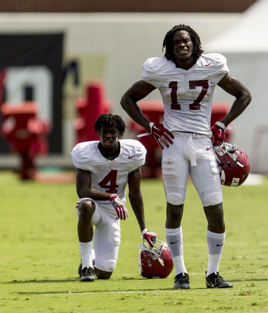 info for 22a85 11772 Alabama wide receiver Jerry Jeudy (4) and Alabama wide ...