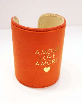 Amour. Love. Amore.