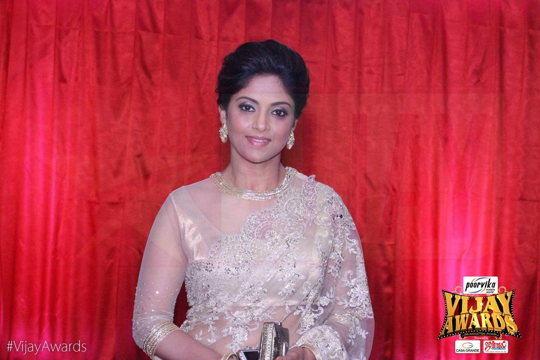 Nadhiya cream net saree sarees pinterest cream net saree