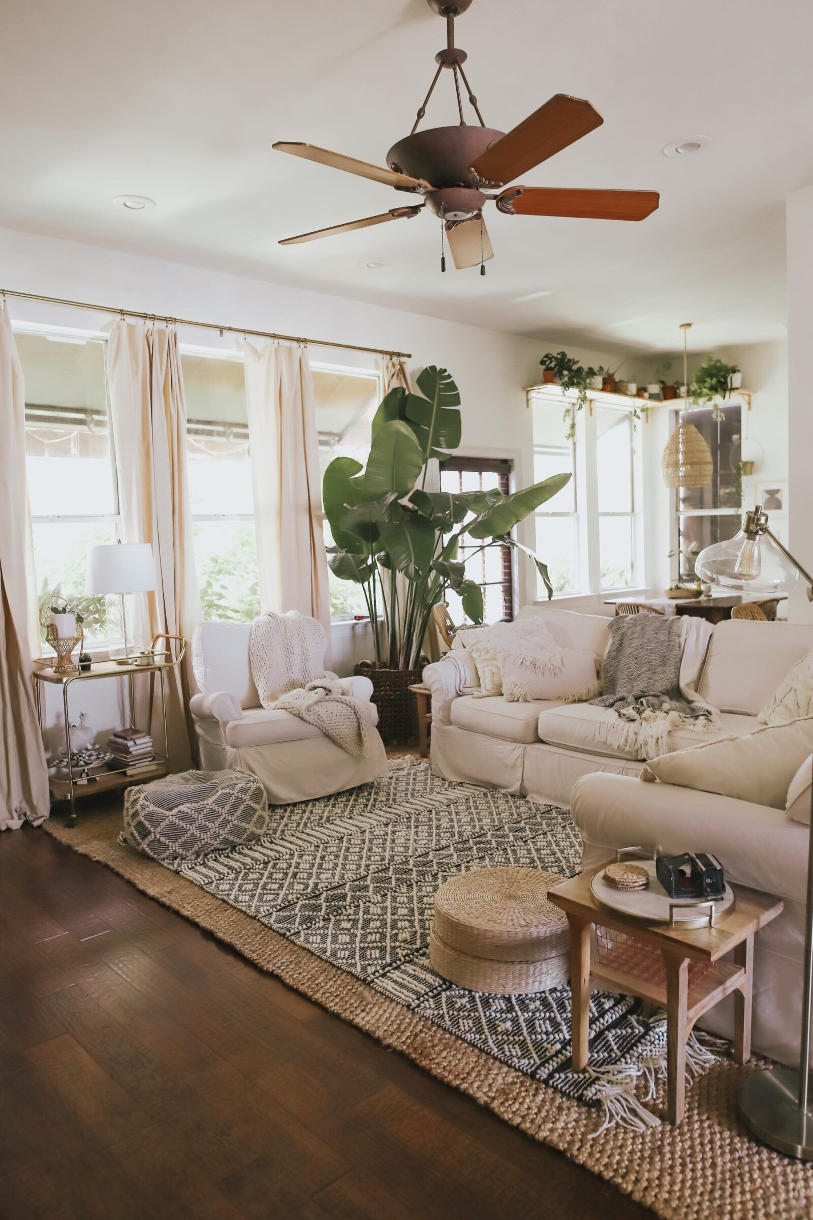 COZY, BOHO-CHIC LIVING ROOM IDEAS