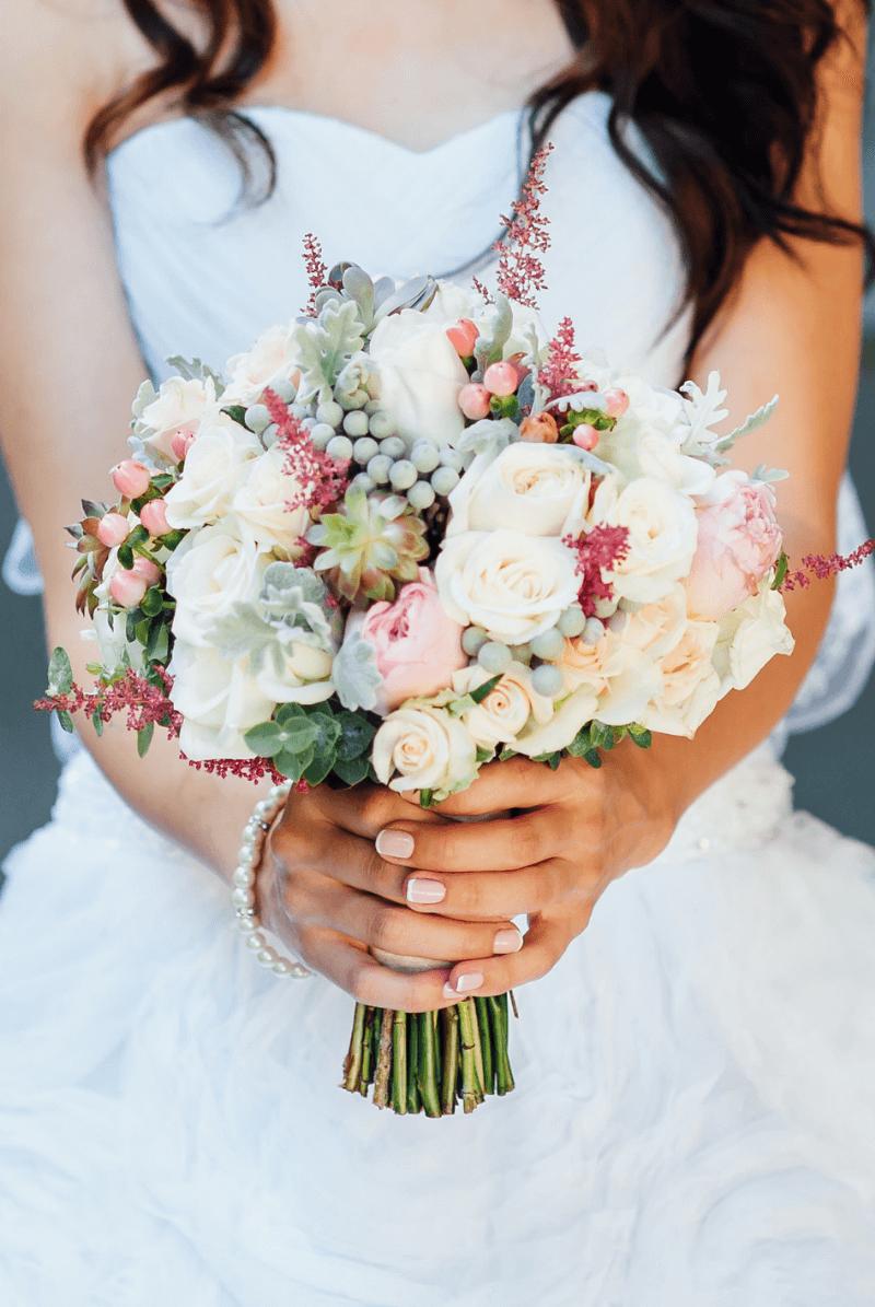 45 romantische Hochzeitsinspirationen mit Astilben - Hochzeitskiste #flowerdresses