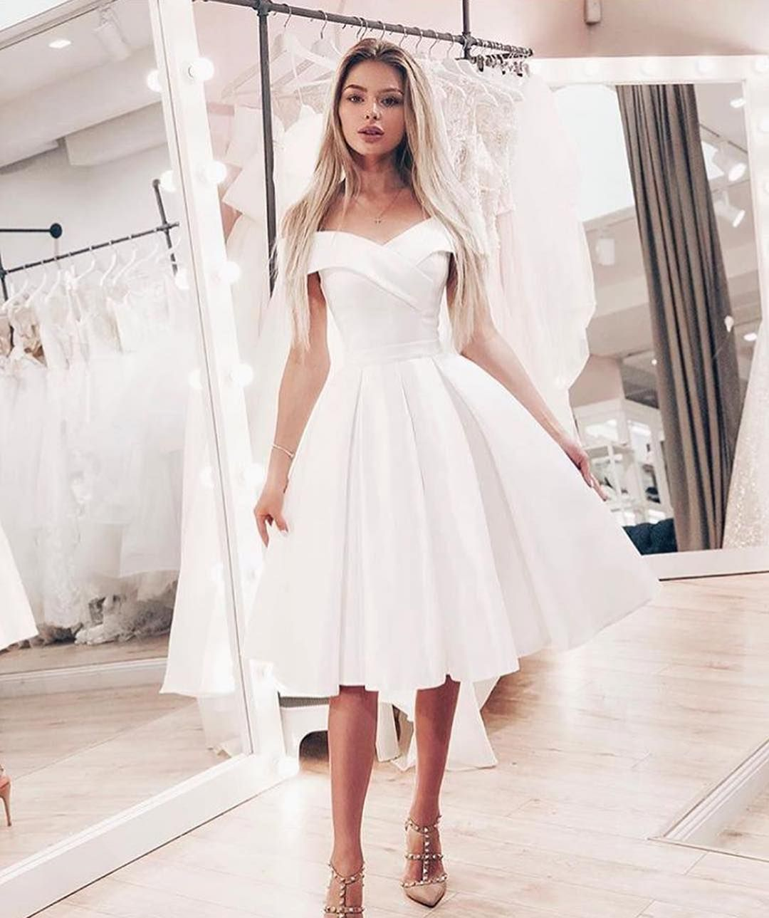 Pin By Lobna Hossam On My Future Wedding Knee Length Wedding Dress Short Wedding Dress White Homecoming Dresses [ 1289 x 1080 Pixel ]
