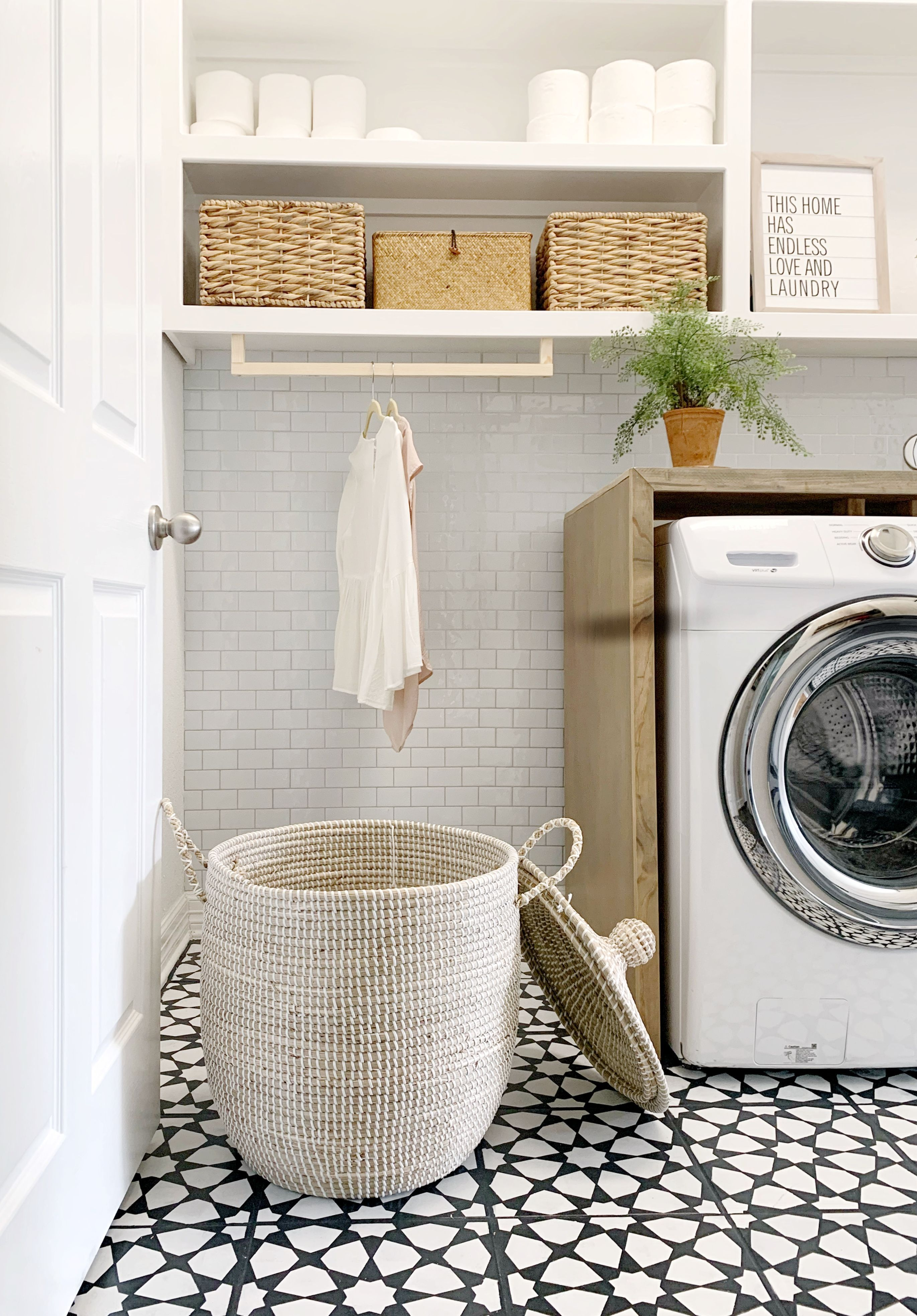 Diy Laundry Countertop And Washer Dryer Set In 2020 Laundry Room