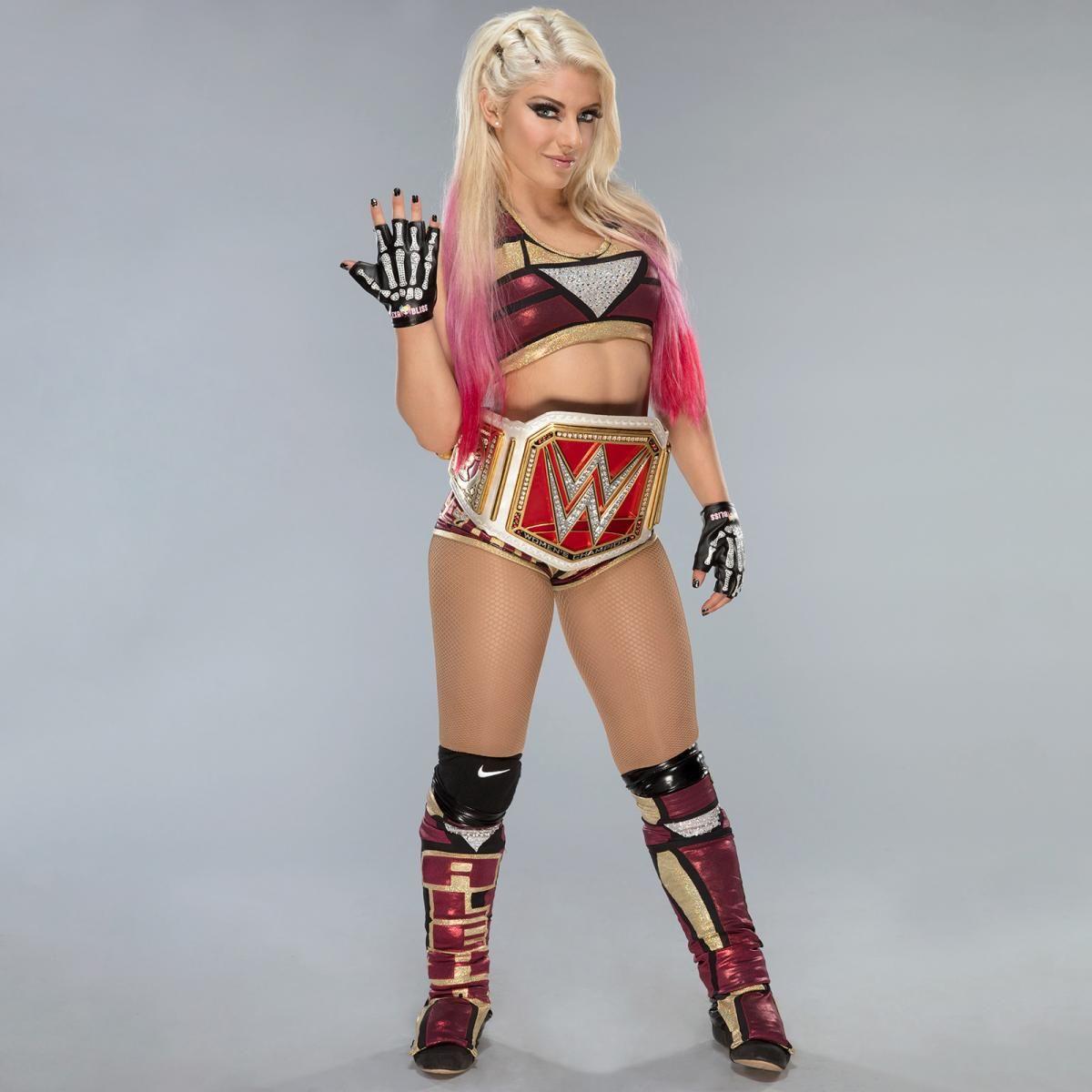 Primera Sesión De Fotos De Alexa Bliss Como Campeona Femenil De Raw