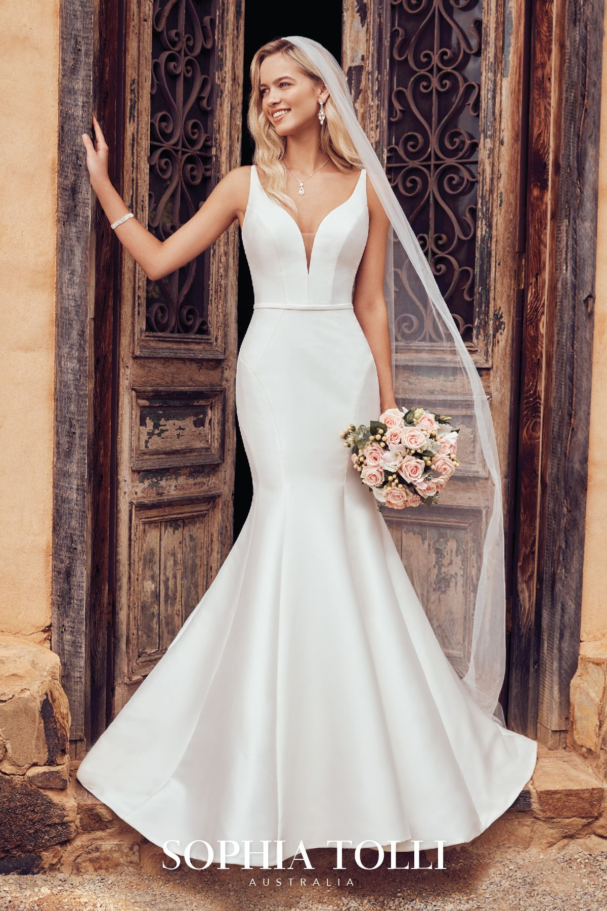 See Rivini Wedding Dresses From Bridal Fashion Week Wedding Dresses Modern Wedding Dress Wedding Dresses Lace