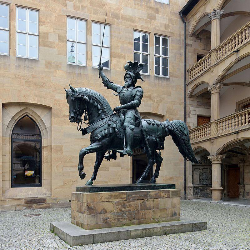 Baden-Württemberg, Stuttgart, Altes Schloss, Monument of count Eberhard I - Old Castle (Stuttgart) - Wikipedia