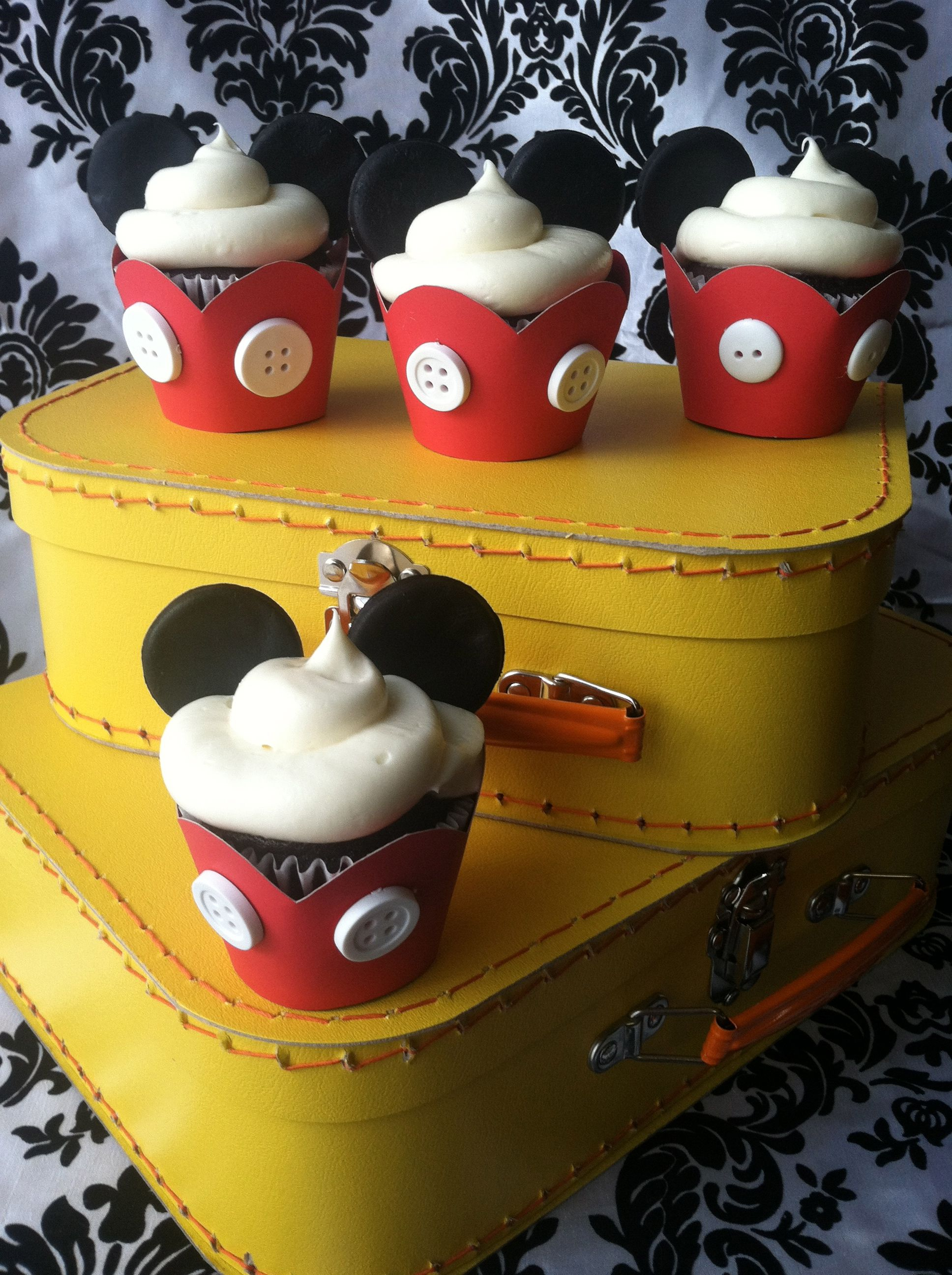 Mickey Mouse cupcakes #DisneySide Birthday party ideas Pinterest - Minnie Mouse Halloween Decorations