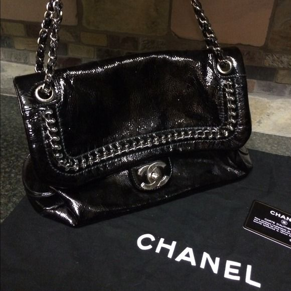 4725d2302d0051 Stunning Chanel flap shoulder bag Purchased this beautiful bag at Saks in  Cincinnati. This bag has 4 pockets in the inside, one of those being a  zipper ...