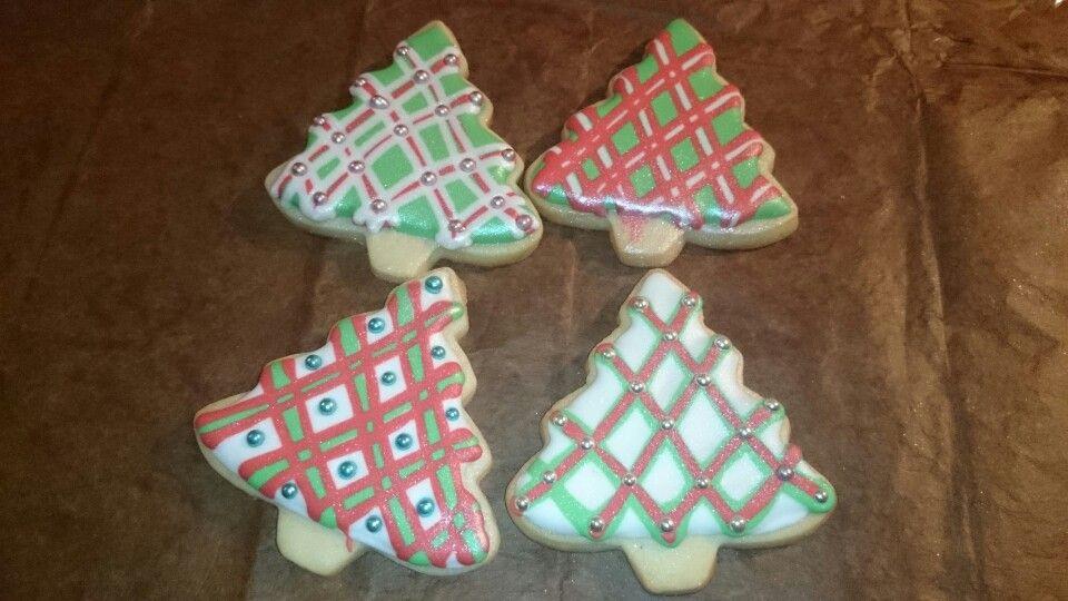 Wet on wet christmas tree cookies accented with dragees
