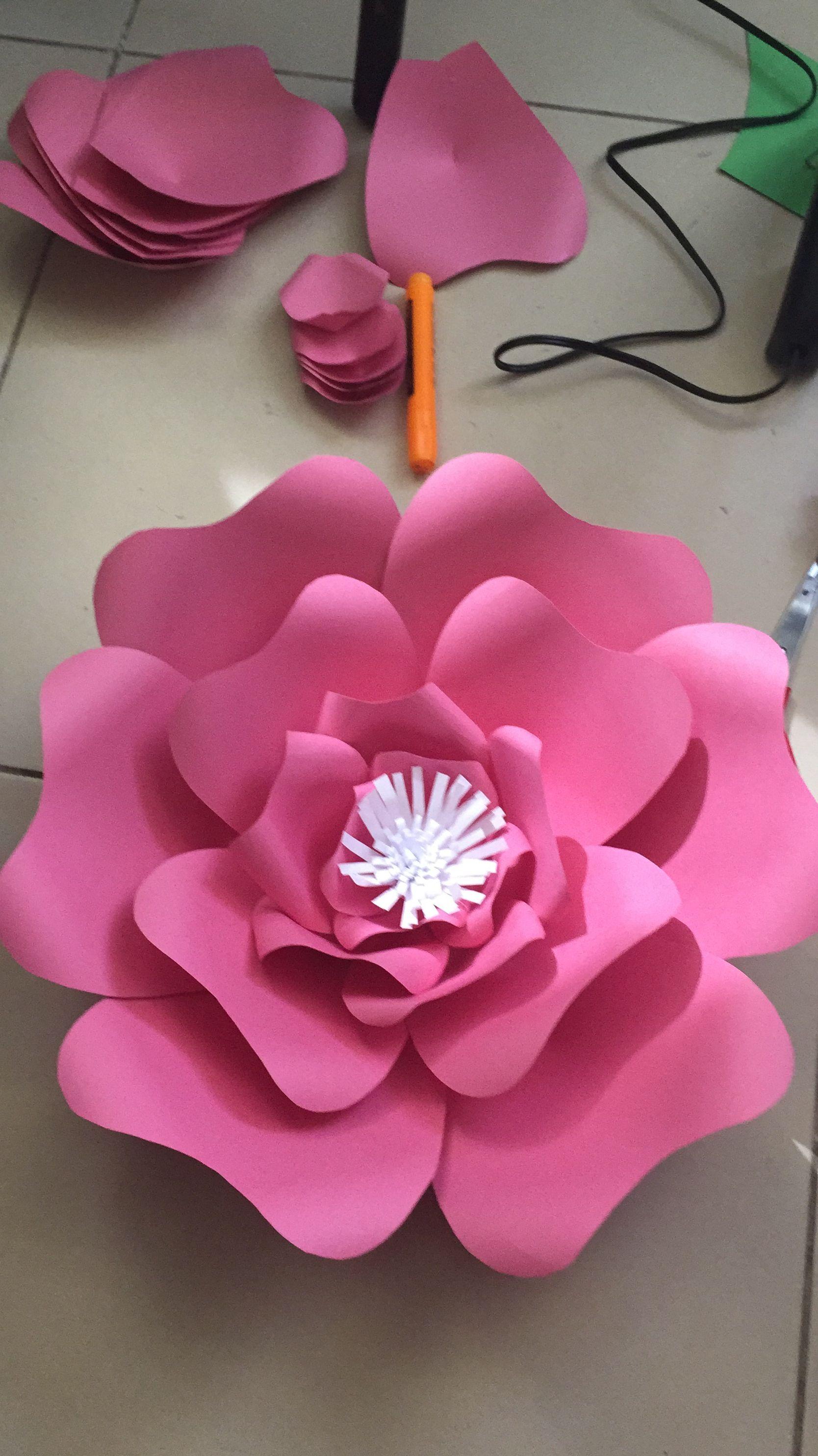 cumple   Decoração flores de papel, Flores de papel, Trabalhos manuais