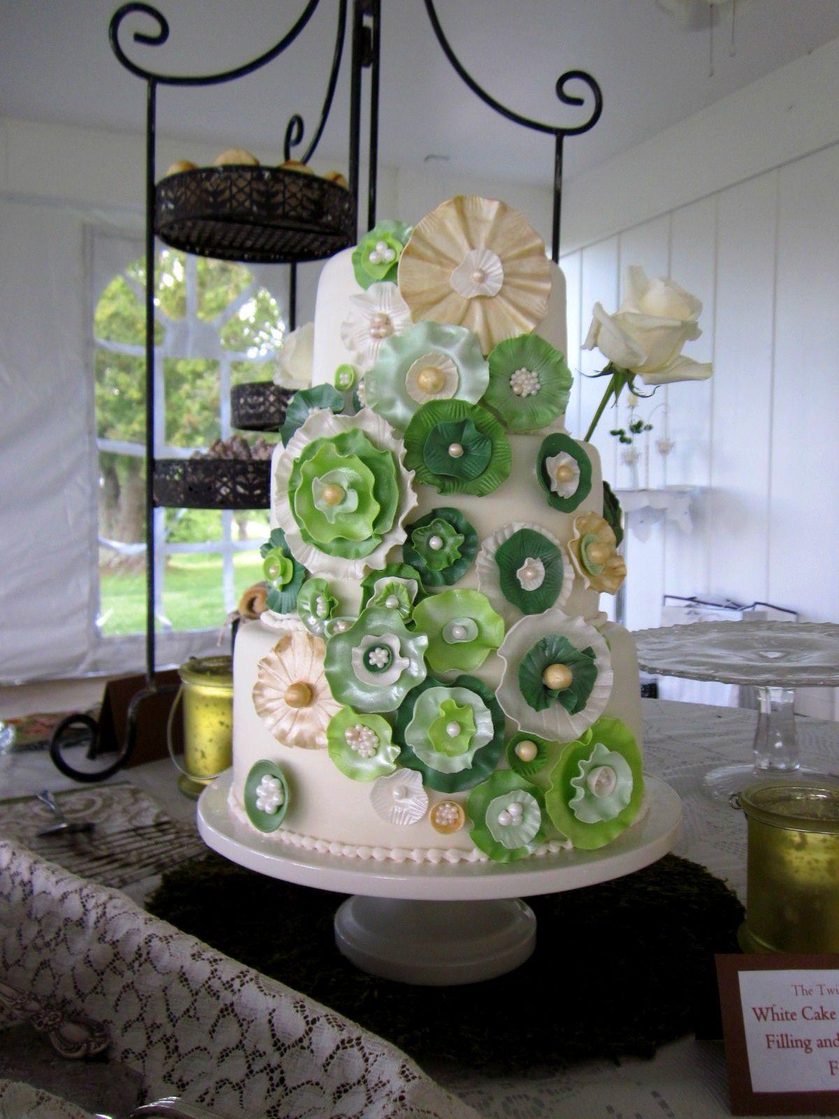 Green Ivory Gold Wedding Cake Ashley Inn Lancaster Ky With Images Green Wedding Cake Gold Wedding Cake Ivory Wedding Cake