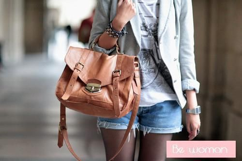 great bag with casual comfortable outfit