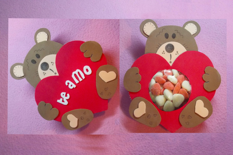 Osito de dulces con Fomix - Foami ideal para regalar en San Valentin.  Maikita1707   Corazones de goma eva, Regalos creativos, Manualidades