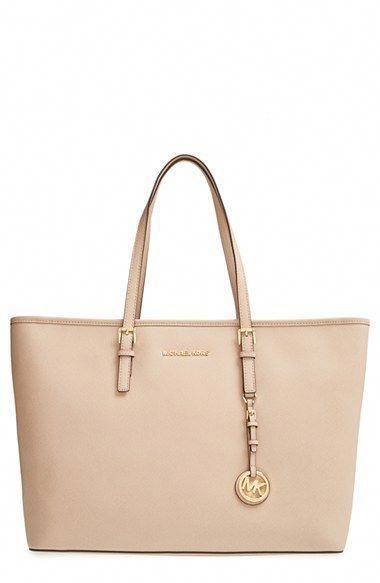 1b575e67000d A closer look at Michael Kors tote bag - YouTube #Handbagsmichaelkors