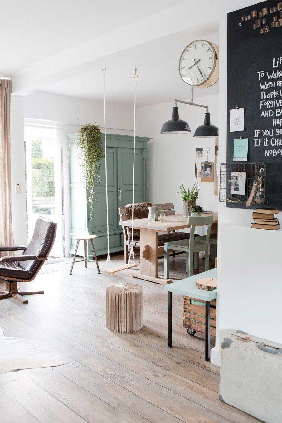 Különleges holland otthon mentával és szürkével | Salons, Archi ...