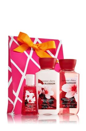 Bath Body Works Nice Travel Sized Combo Of Hand Sanitizer