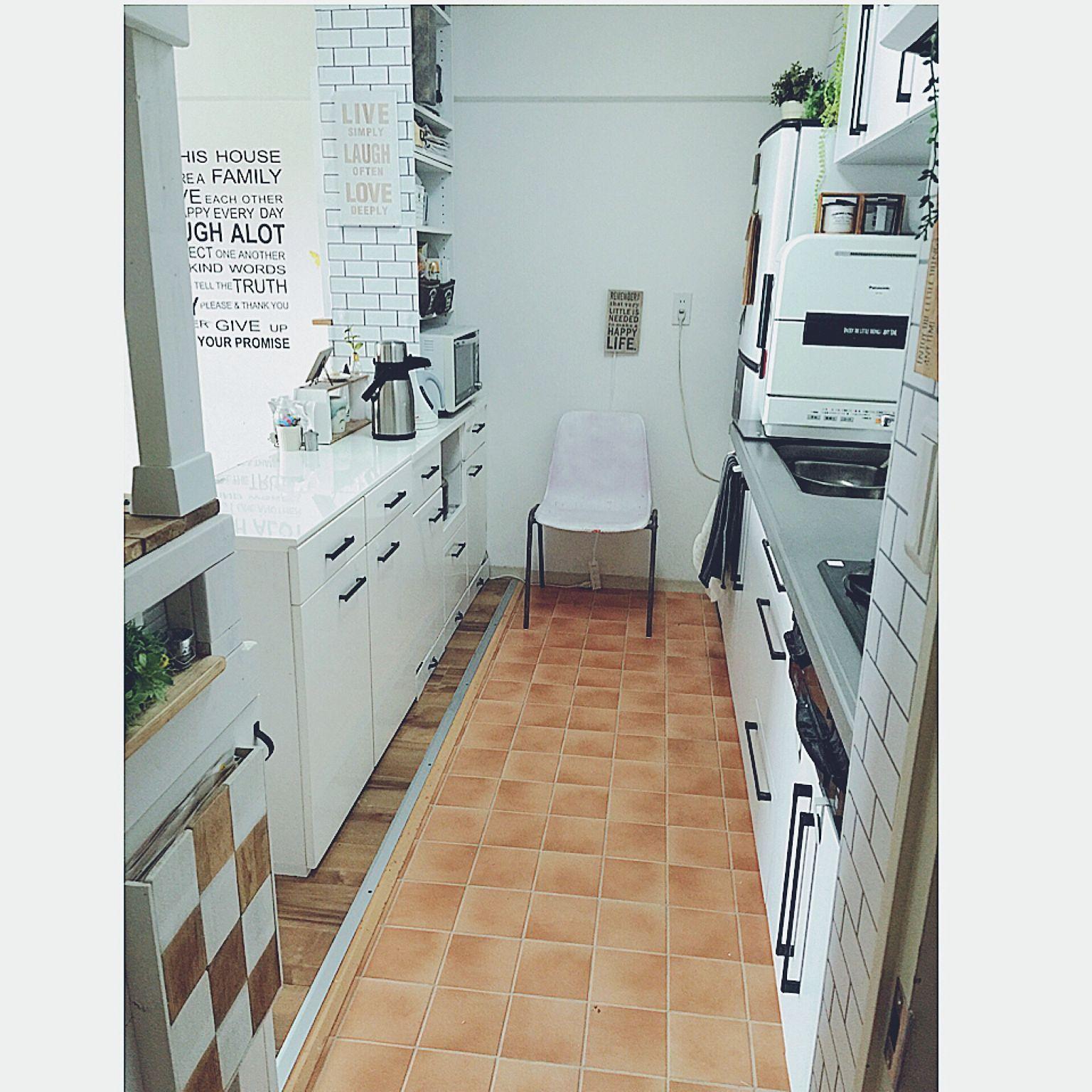 Diy テラコッタ風クッションフロアのインテリア実例 Roomclip Kitchen ウォールステッカー Diy ニトリ セリア キッチン カウンター クッションフロア クッションフロア Diy フロア インテリア