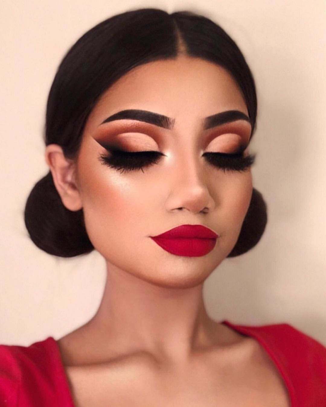 f80e39c2f65 @makeupbyalinna wearing 3D #LillyLashes in style