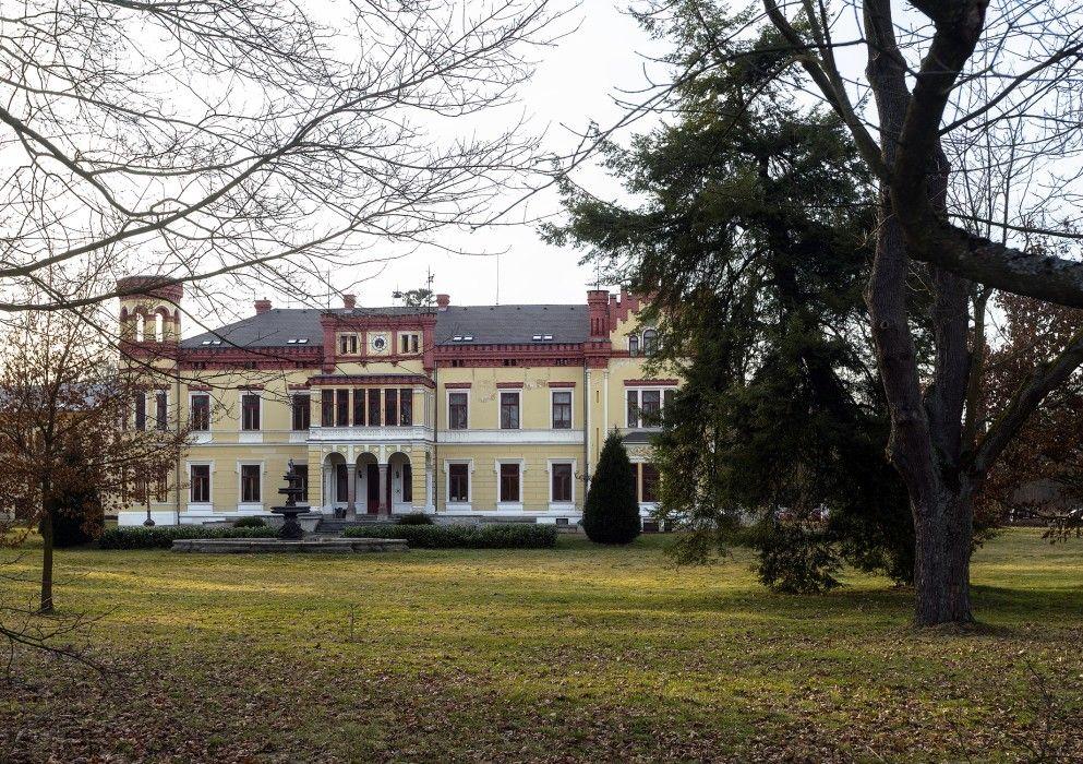 Schloss In Mostov Herrenhaus Anwesen Haus