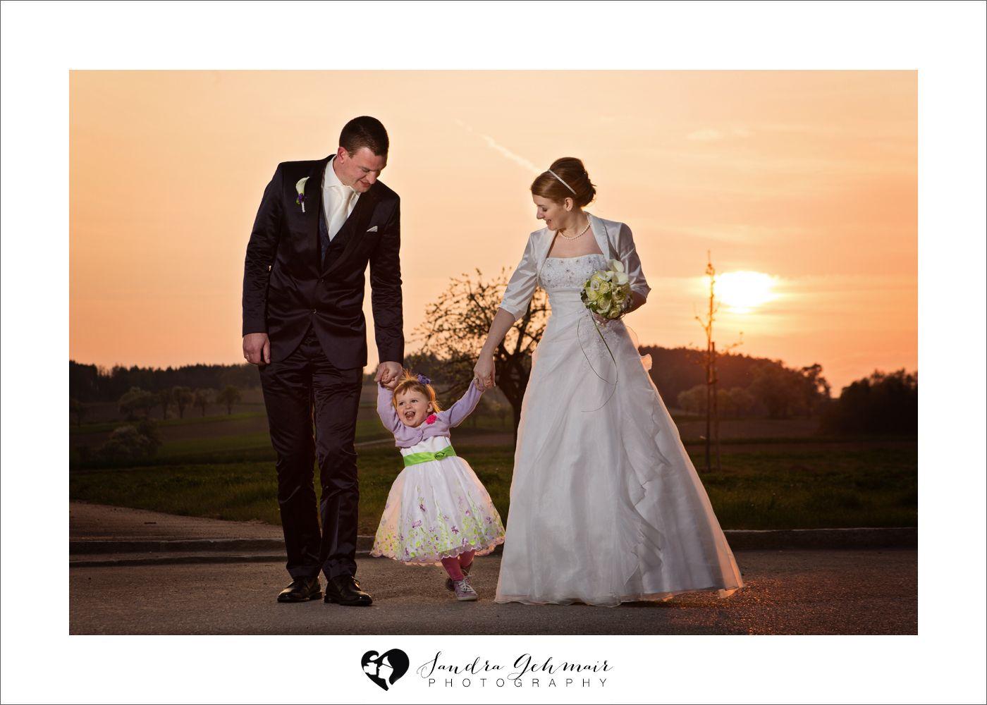 Hochzeitsfotos im Frhling  Spring Wedding  pink trees  rosa Bume  blhende Bume Hochzeit