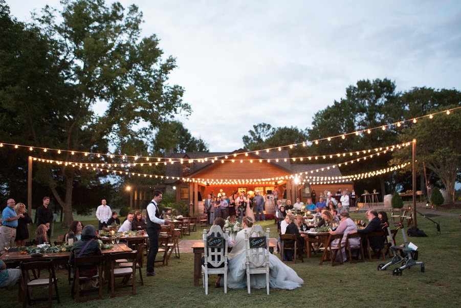 This Arrington Vineyards Wedding In Nashville Is Making Our Hearts Melt The Lights Seating Arrangements Everything About Reception So Relaxed