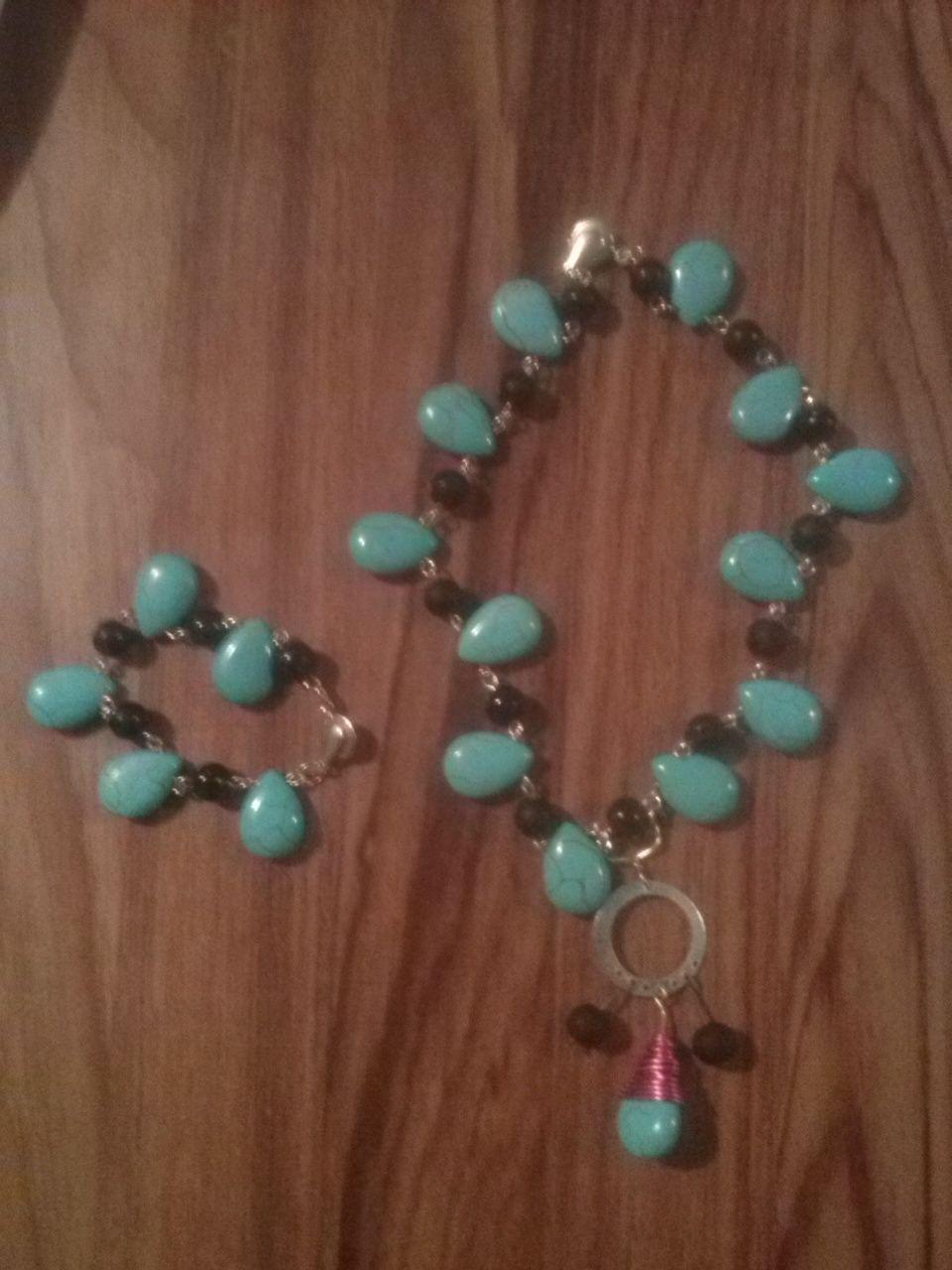 ea3deaf40f00 collar y pulsera para niña piedra azul y cristal en color cafe ...
