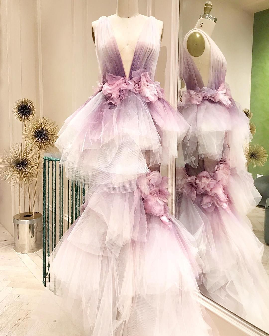 In love with the dipdyed tulle and d peonies on this marchesa