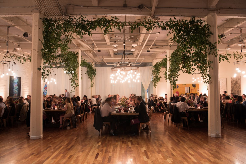 An Industrial Gallery Wedding With Gorgeous Art Deco Vibes Wedding San Francisco San Francisco Wedding Venue Wedding Venues