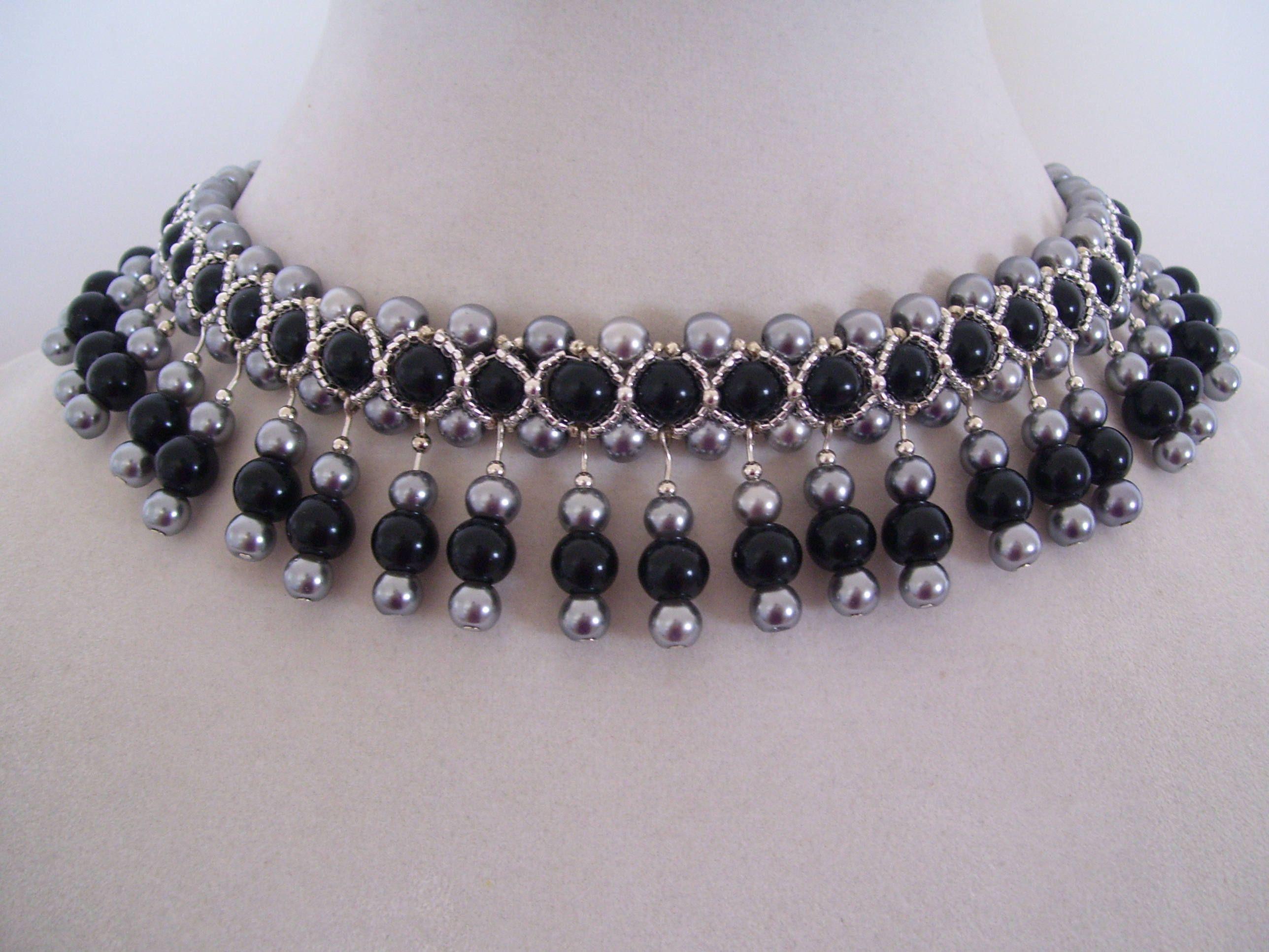 016 Vintage Black und Steele Grey Pearl Beadwork Lätzchen mit Perlentropfen   – Bella Luca Designs