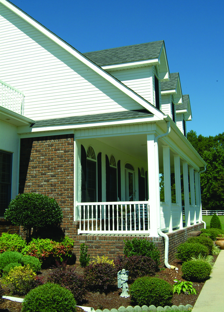 Vinyl Afco Rail Colonial Balusters Combine The Classic Turned Spindle With The Time Enduring Qualities Of Vinyl Vinyl Railing Outdoor Decor Outdoor Structures