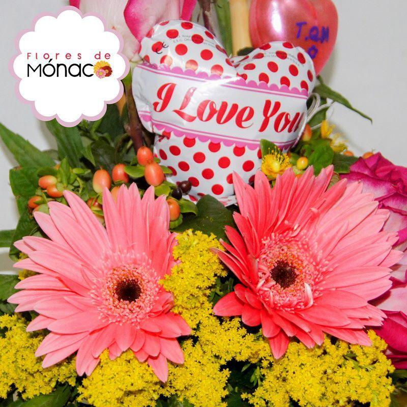 Un arreglote para tu princesota ella se lo merece Te aseguramos que le encantara! #Princesa #Regalo #FloresYMuchosColores by floresdemonaco