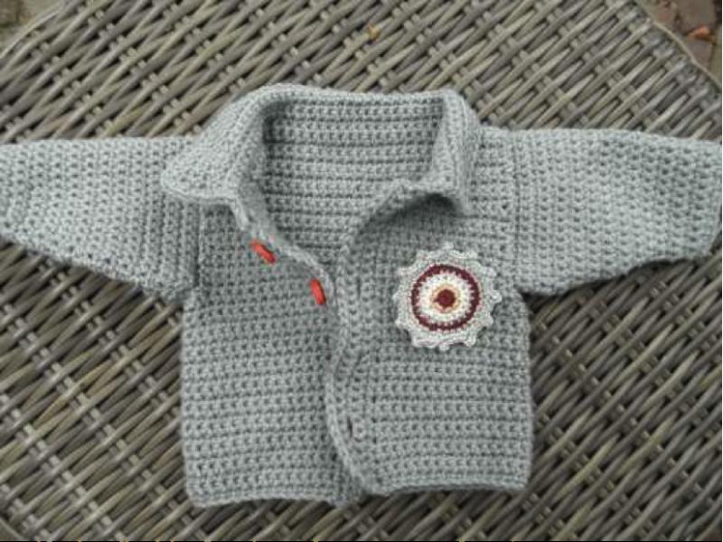 Zy Haakpatroon Babyvestje Met Stoere Ronde Applicatie Haakwerk