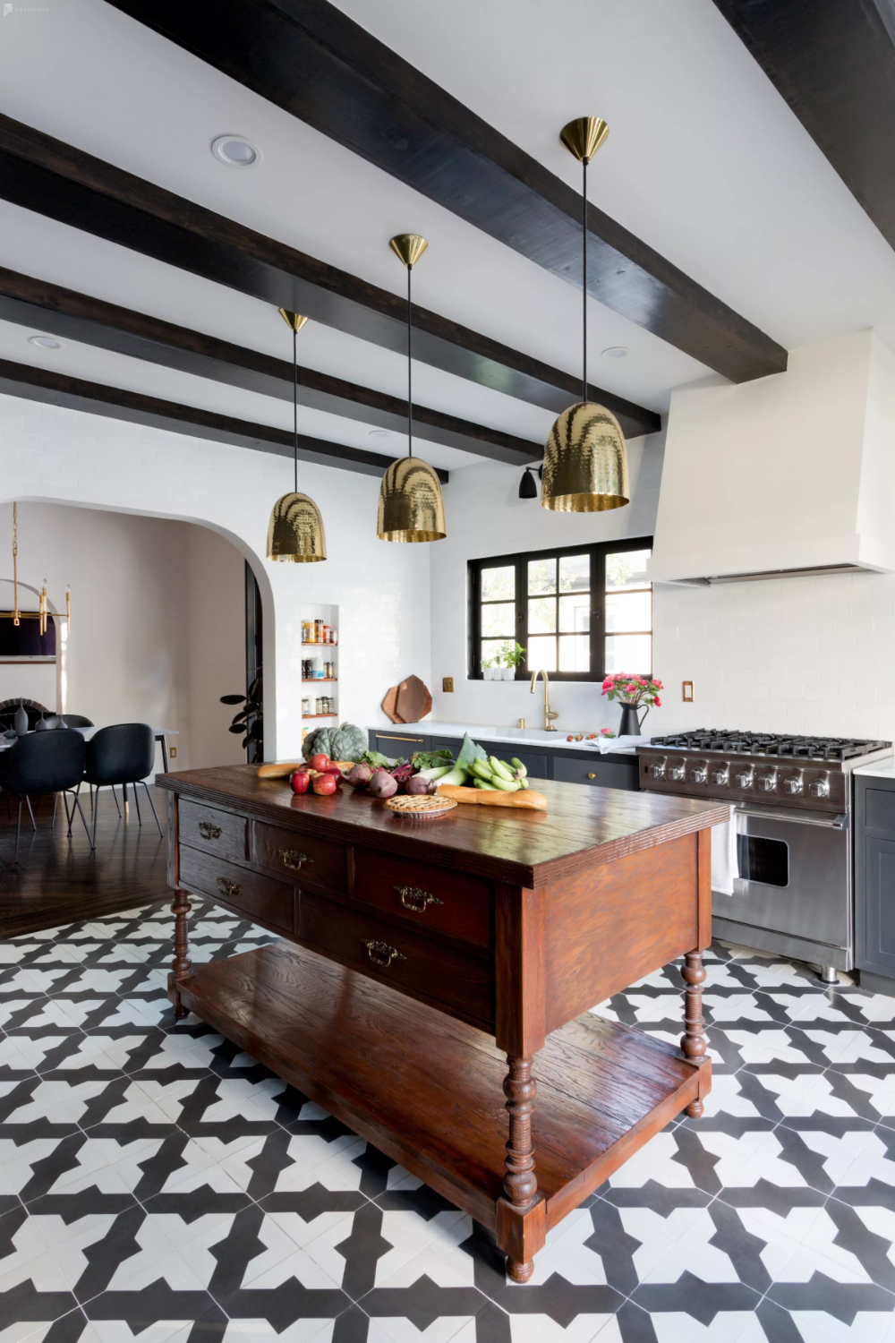 Modern Spanish Style Home - Designer Furnishings - Chef's Kitchen in Los Angeles