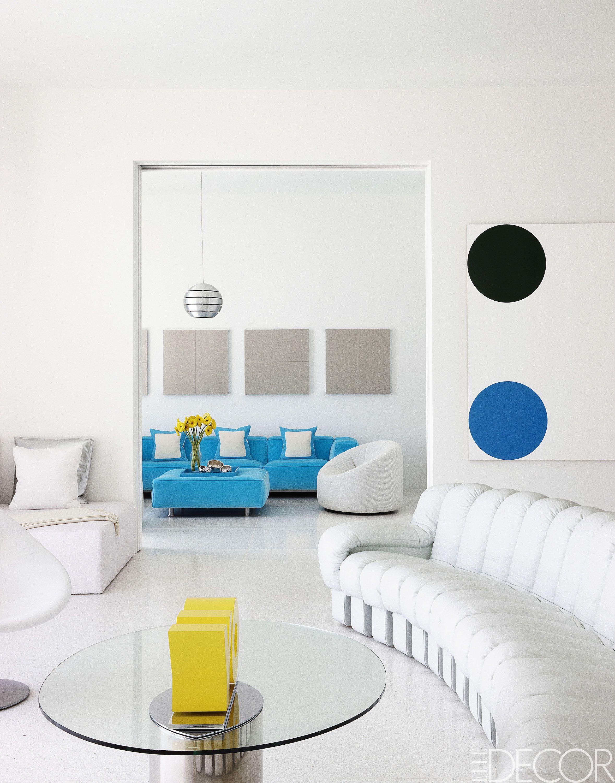 24 Brilliant Ways To Style A Living Room Around A White Sofa | White ...