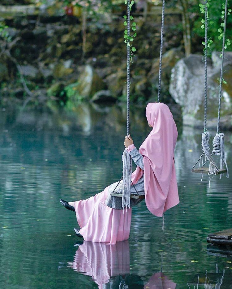 """Muslimah Indonesia di Instagram """"Perempuan itu berkata"""