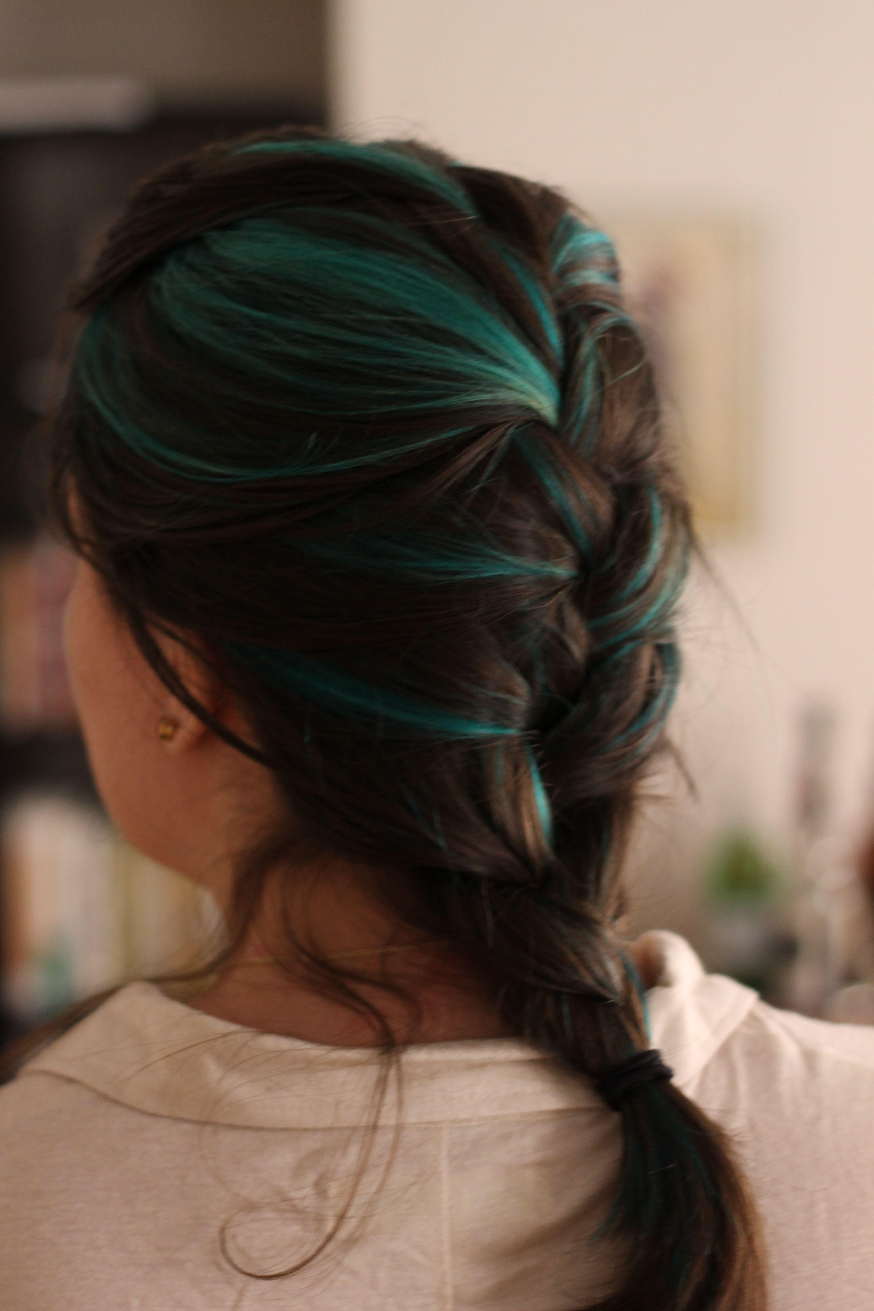 Teal hair streaks, with turquoise ends loveeeee this