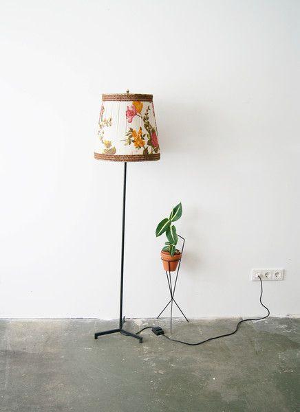 Vintage Stehlampen 50er Stehlampe Mit Blumenschirm Bodenlampe Retro Ein Designerstuck Von Mele Pele Bei Dawanda Bodenlampe Stehlampe Lampe