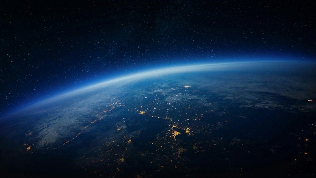 4k Earth Wallpapers Top Free 4k Earth Backgrounds Wallpaperaccess Wallpaper Earth Earth At Night Iphone Wallpaper Earth