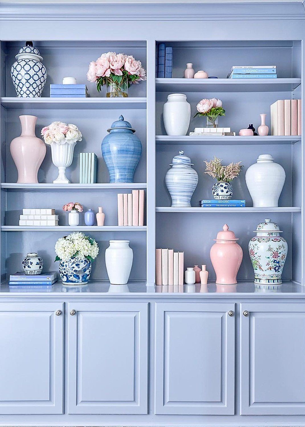 Painted Blue Built-in Bookshelves | Modern Ginger Jar Styling Shelves | Styling Bookshelves: The Ultimate How-To Guide | Charleston Blonde  #shelfstyling #stylingbookshelves #bookshelfinspo #shelfie #gingerjars