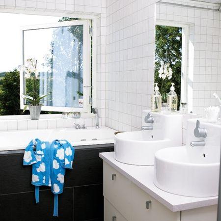 Montage: 30 Bathrooms with Modern Vanities | Espejos ...