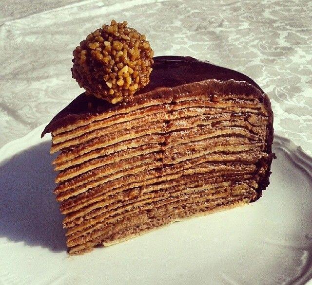 nutella pfannkuchen torte entdecke unser rezept torte pinterest nutella pfannkuchen. Black Bedroom Furniture Sets. Home Design Ideas