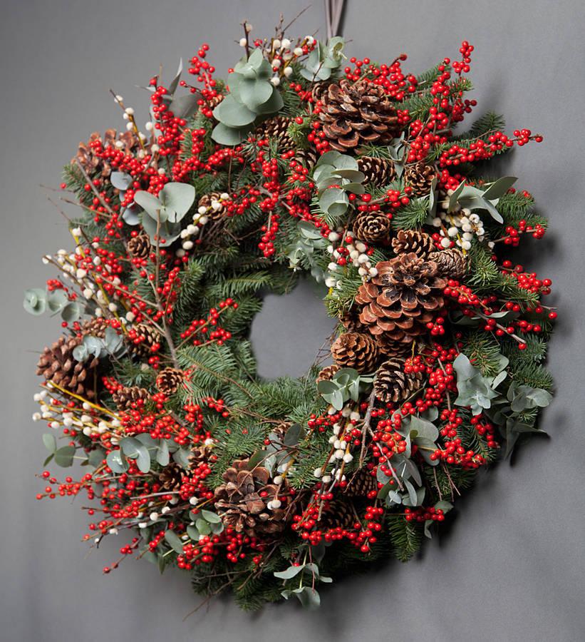 December Christmas Door Wreath Contemporary