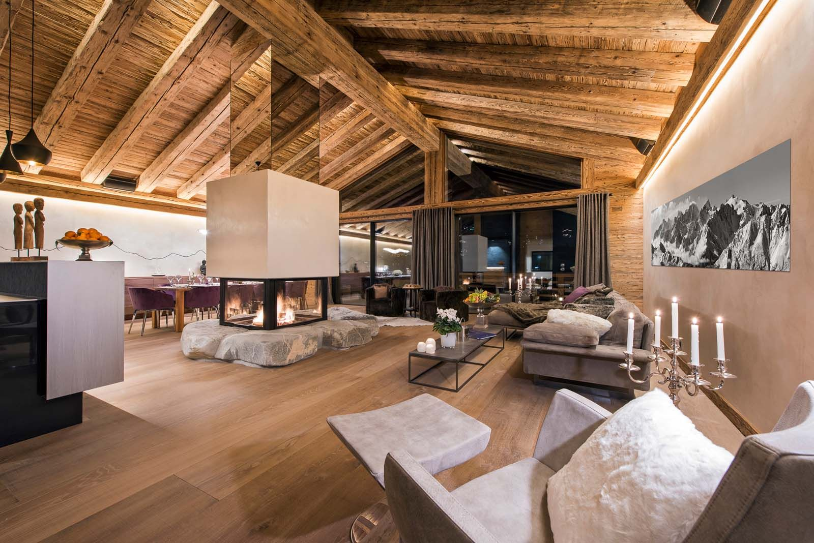 Kleines haus zu hause exterieur-design the stunning and luxurious lounge area in chalet elbrus  unique